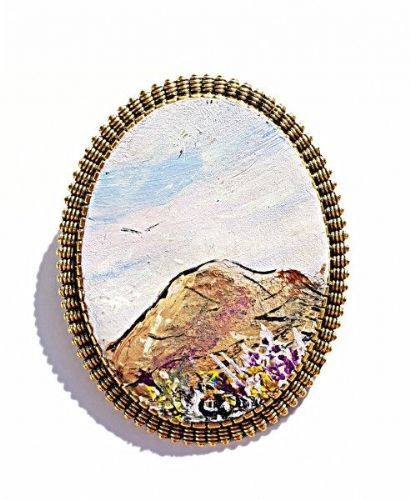 Breesy Mountain Brooch